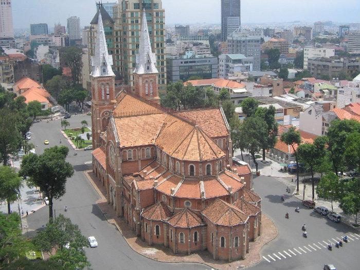 Basilique Notre-Dame Ho-Chi-Minh