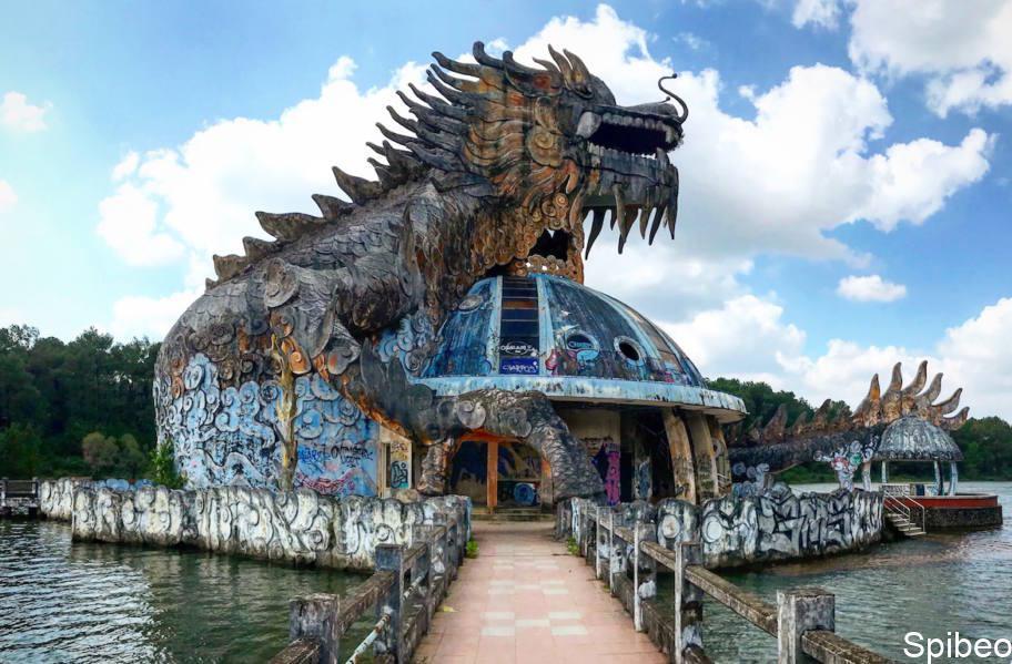 Parc aquatique abandonné – Hué Vietnam