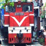 HANOI / Un train dans la ville